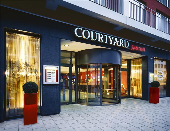courtyard by marriott munich city center tagungshotel in. Black Bedroom Furniture Sets. Home Design Ideas